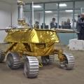 Prototipi del rover lunare Yutu espsoto al China International Industry Fair a Shanghai