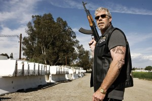 Clay-Morrow-sons-of-anarchy-13787995-1800-1200